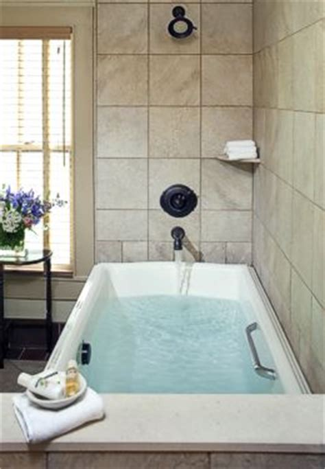 oversized bathtub shower combo the buck house inn on bald mountain creek dreamdale suite