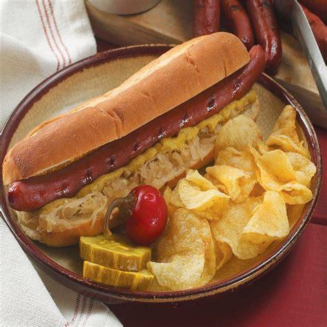 smoked dogs applewood smoked big dogs smoked sausage nueske s