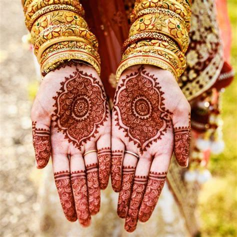 henna tattoo in indian culture this s traditional indian wedding is amazing from