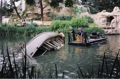 jungle cruise boat model jungle is quot 101 quot disneyland s jungle cruise and other
