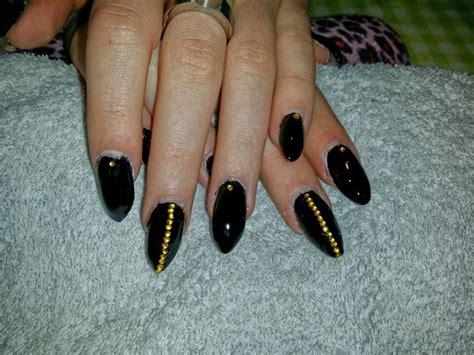 Zwarte Acryl Nagels by Nogmaals Zwart Met Goud Gel En Acryl Nagels