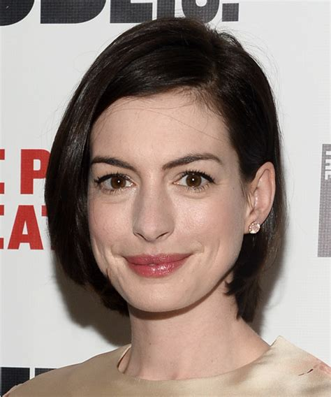 Anne Hathaway Medium Straight Casual Bob Hairstyle   Dark