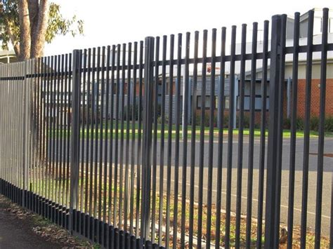 guidance on usage of security fence as a protective shield