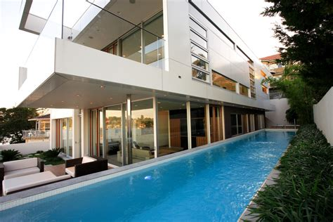 Patio Next To House Sumptuous Cantilever Patio Umbrella In Pool Modern With
