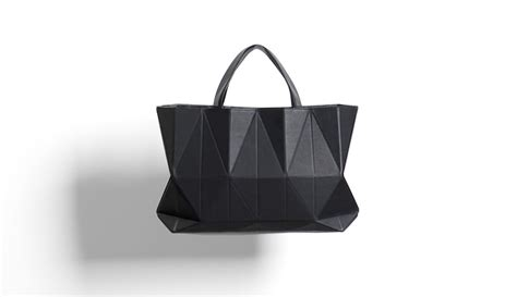 Origami Purse - finell design an origami inspired handbag contemporist