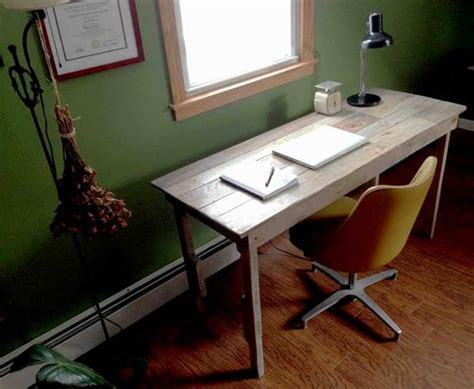 Diy Pallet Study Table 99 Pallets Diy Study Desk