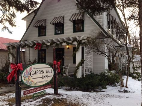 7 Must Visit Bed And Breakfasts In Western Montana Garden Wall Inn Whitefish