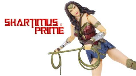 Figure Wonderwoman mafex batman v superman of justice dc