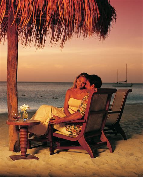 wallpaper honeymoon couple romantic love couples kissing wallpapers my note book