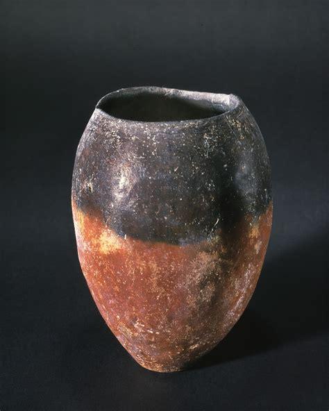 bocca di in vaso vaso a bocca nera di forma ovoidale pinacoteca di brera