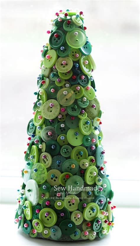 Sew Sew Handmade Holidays - button craft tree buttons