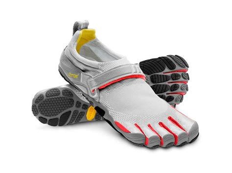 athletic shoes with toes toe running shoes best vibram toe shoes