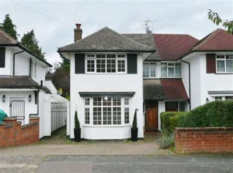 3 bedroom house for rent in watford 3 bedroom semi detached house for sale in raglan gardens watford wd19