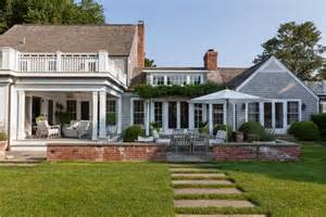 East hampton village news east hampton house tour rings in the