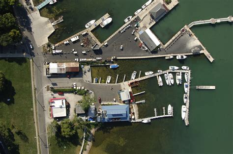 boat place park place boat club former ladd s marina in put in bay