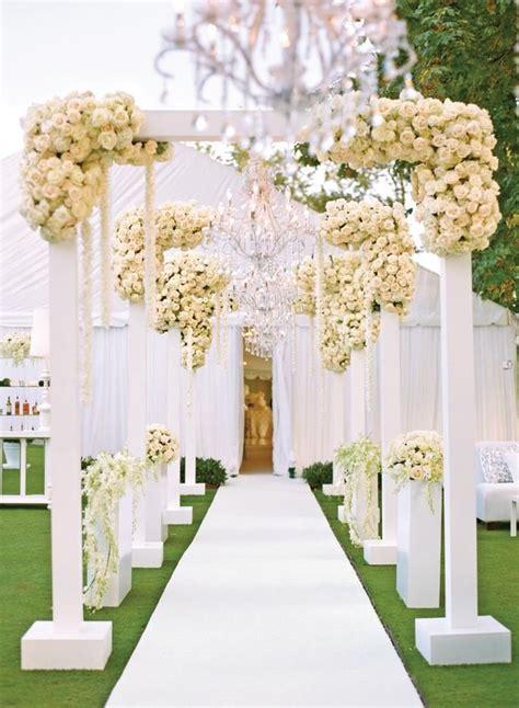 Wedding Aisle Entrance Ideas by Best 25 Ivory Wedding Receptions Ideas On