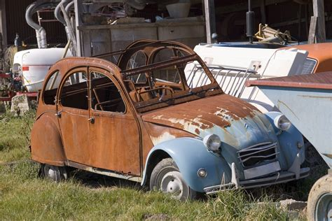 rusty car photography free stock photo 1128 old 2cv 1576 jpg freeimageslive