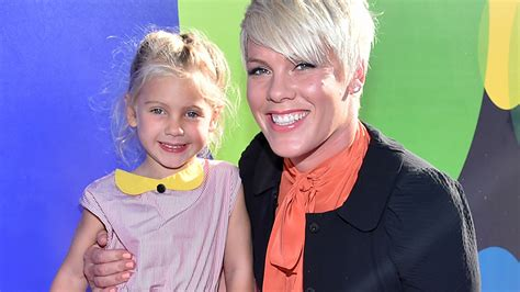 pink s pink tweets the sweet birthday gift willow gave see the photo today