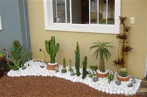 jardim decorado pedras e grama jardim pedras fotos flores pedras ornamentais