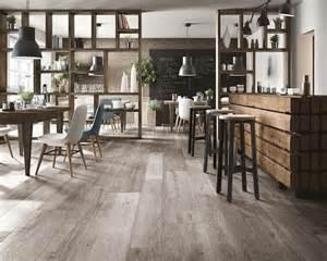 pavimenti per esterni effetto legno pavimenti effetto legno pregi e difetti pavimenti in gres