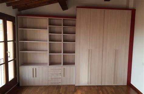 libreria per mansarda trendy armadio libreria per mansarda with libreria per