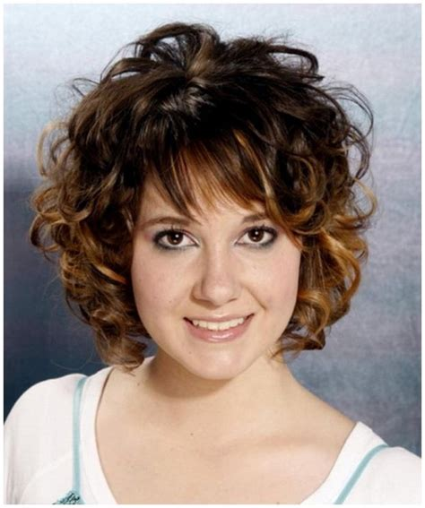 baretts in curly hair beautiful short curly hairstyles for women belleza