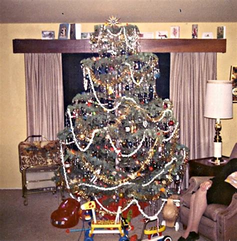 christmas tree in 1970s top 25 ideas about past on trees the and vintage