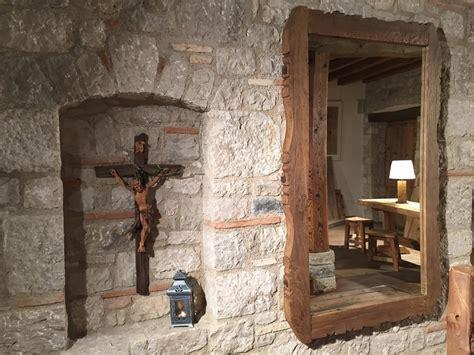 arredamento antico tavoli sedie arredamenti porte finestre in legno antico