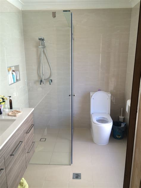 renovate bathroom bathroom renovations discoverskylark com