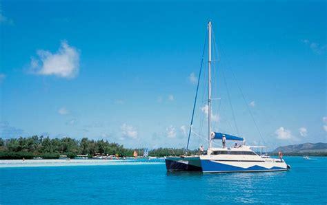 catamaran mauritius dolphins catamaran cruises in mauritius elite voyage
