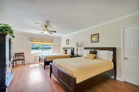 book cottages on the green pensacola hotel deals