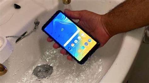 Harga Samsung A7 Tahan Air 6 ponsel anti air terbaik dengan harga hanya rp 3 jutaan