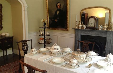create  victorian dining room fit   christmas