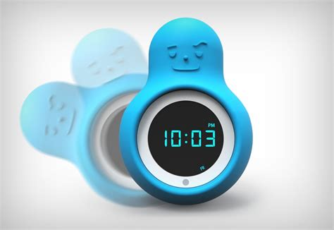 mr wakey alarm clock turns when you punch or throw it has integrated crash sensors