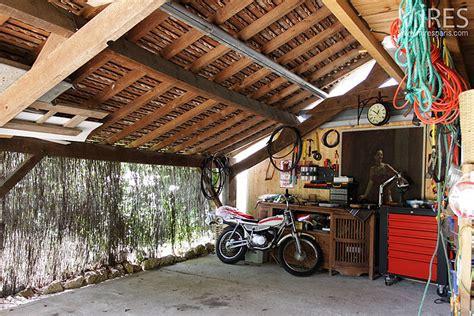 Atelier Garage by Garage Et Atelier C0133 Mires