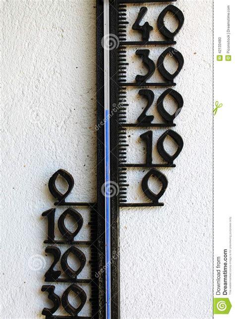 Termometer Outdoor utomhus termometer arkivfoto bild 42133480