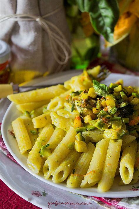 fiori di zucchina pasta pasta cremosa con fiori di zucca zucchine e zafferano