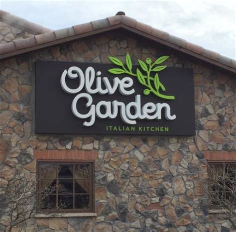 Olive Garden Bloomington Il by Olive Garden Sign On Building 1 23 15 Foto Di Olive