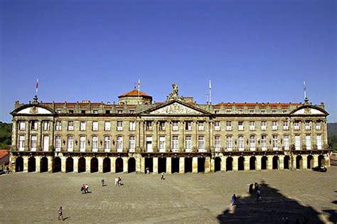 ayuntamiento de santiago de compostela interior del pazo raxoi