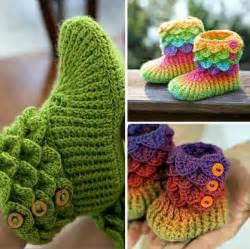 the cutest crochet crocodile stitch booties tutorial