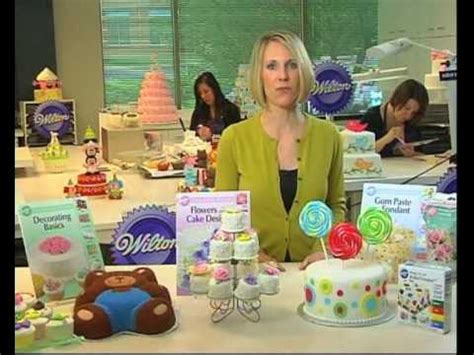 learn cake decorating at home learn cake decorating using the wilton method youtube