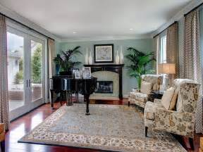 How To Arrange A Small Sitting Room - how to choose bright color rugs for living room optimum houses