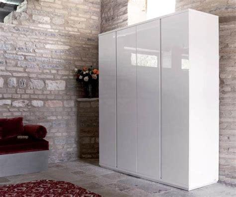 Lemari Pakaian Cat Putih lemari pakaian 4 pintu cat putih toko mebel furniture