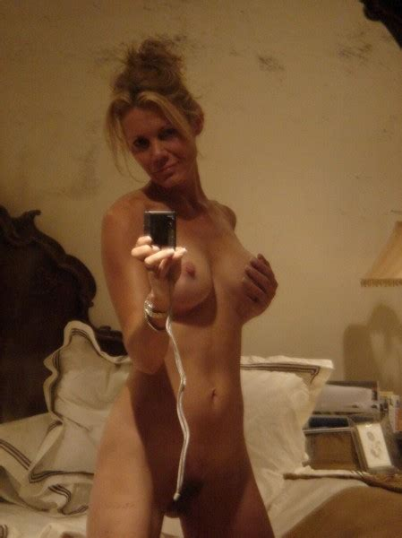 Gorgeous Milf S Nude Selfie Private Milf Pics