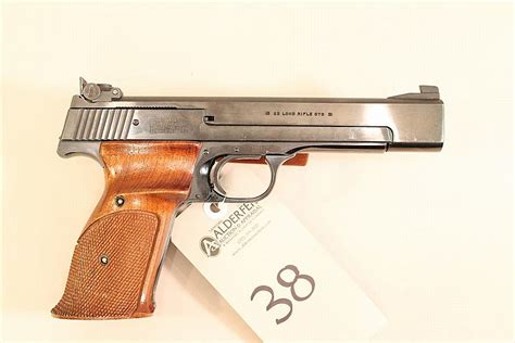Bor Pistol smith wesson model 41 semi automatic target pistol cal 2