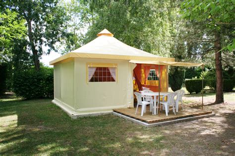 Canapy Beds bungalow rental next to fontainebleau