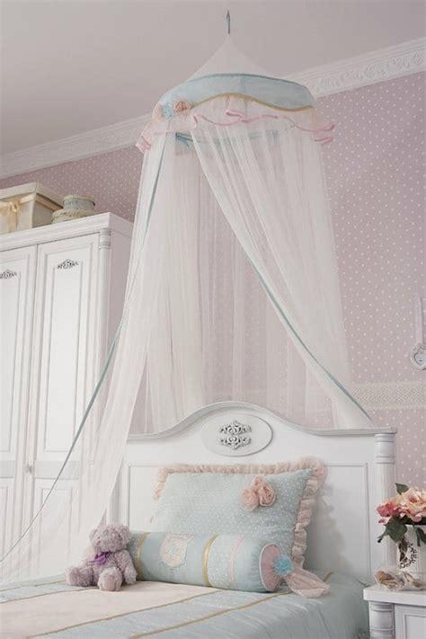 dormitorio infantil de estilo romantico