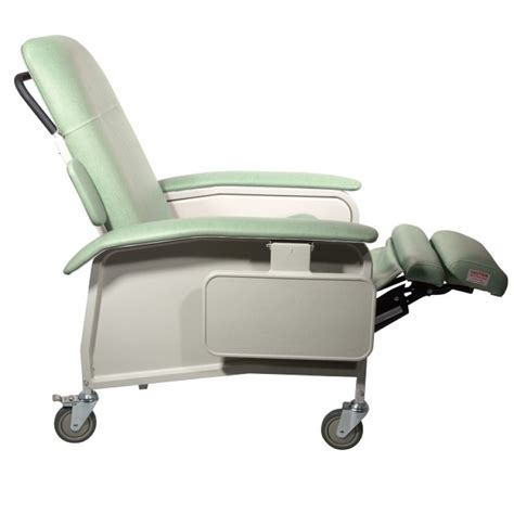 drive medical recliner chairs drive medical d577 clinical care recliner 3 position