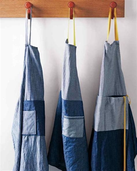 pattern for french apron 236 best aprons images on pinterest apron apron designs