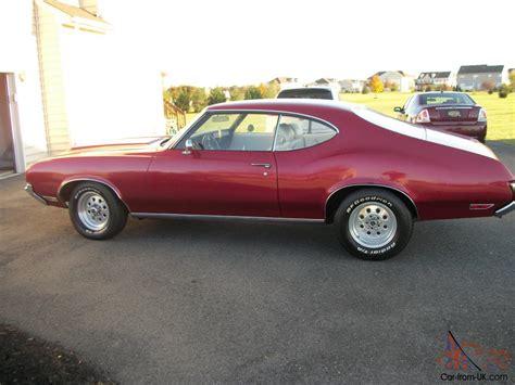 1971 oldsmobile cutlass classic american muscle car